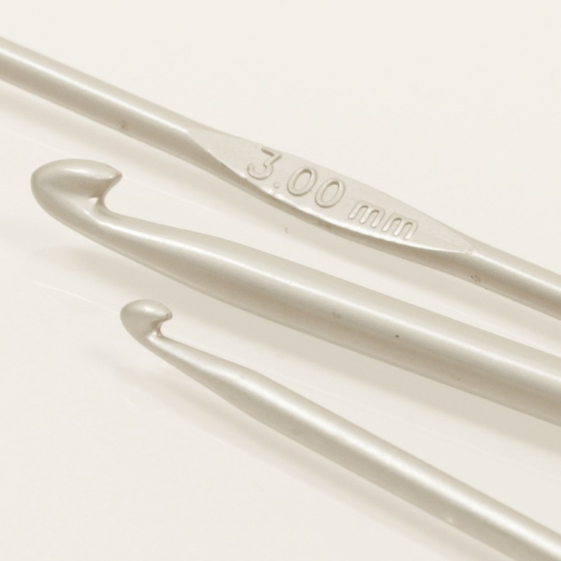 Drops haaknaald 2.0mm - 13 cm - aluminium