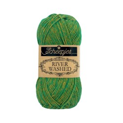 Scheepjes River Washed 955 Po green