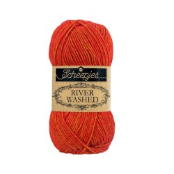 Scheepjes River Washed 956 Avon red