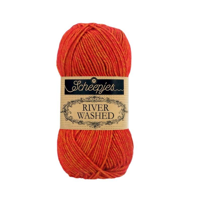 Scheepjes River Washed 956 Avon rood