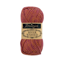 Scheepjes River Washed 957 Eisack brown purple